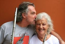 Mauro Senise com a professora Odette Ernest Dias